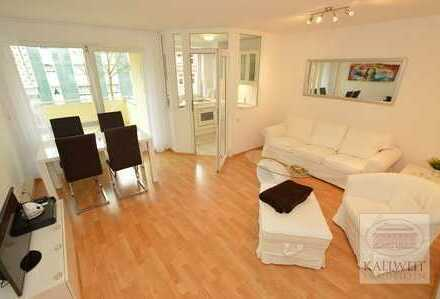 Volmerswerth/Flehe: Helle 2-Raum Wohnung mit Balkon & Küche