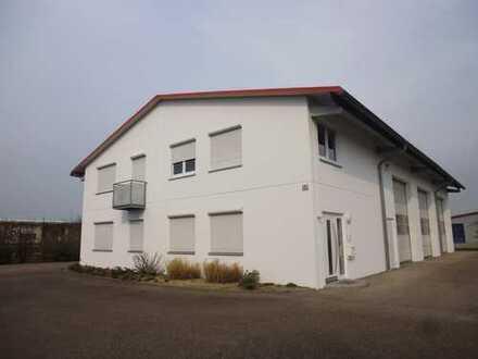 Gewerbehalle zu vermieten und Nachbargrundstück zu verkaufen