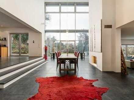 Moderne Bauhaus-Villa mit Süd-West Ausrichtung und Blick ins Grüne