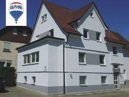 REMAX - Zweifamilienhaus in Weinstadt