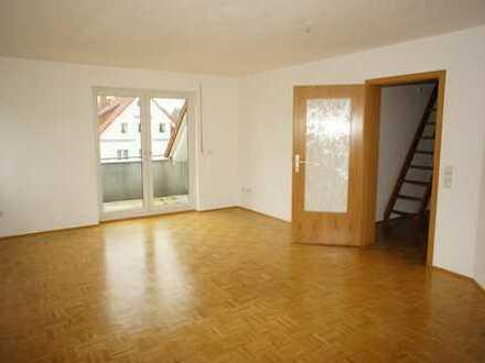 DG-Whg. über zwei Etagen - großer Balkon - Bad mit Fenster u.v.m.