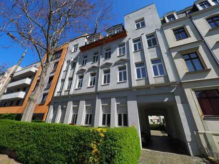Attraktive Dachgeschosswohnung mit Stellplatz in sehr guter Lage von Leipzig