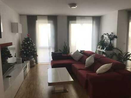 Exklusive 4 Zimmerwohnung mit Einbauküche, Garten und Terrasse