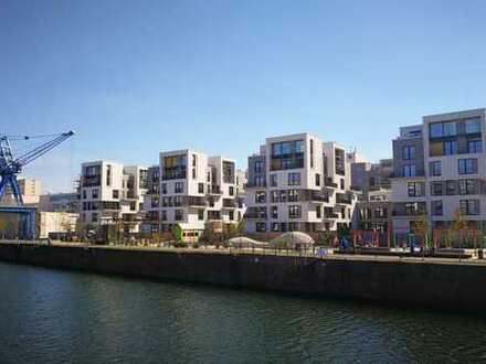 Erstbezug: exklusive 2-Zi-Erdgeschosswohnung mit EBK, Loggia und eigenem Garten im Hafenviertel