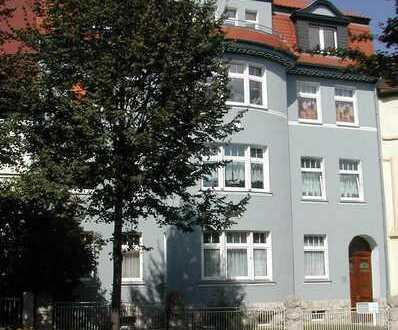FÜR LIEBHABER - Stilvolle Dachgeschosswohnung im schönen Ambiente