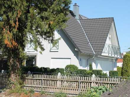 ZWANGSVERSTEIGERUNG - Individuelles Einfamilienhaus mit Doppelgarage!