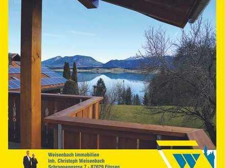 Traumhaft gelegene 3-Zimmer-Wohnung mit einmaligem Berg- und Seeblick