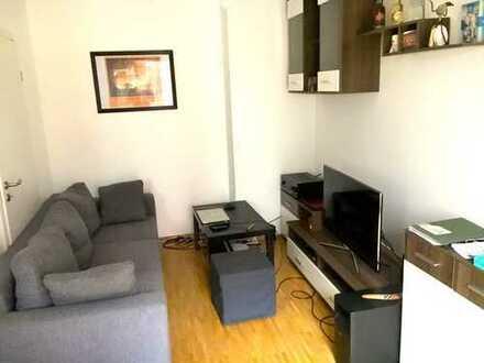 Möbliert: 2-Zimmer-Wohnung mit Einbauküche und Terrasse für 12 Monate