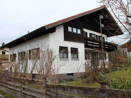 Sonnige Maisonette-Wohnung mit drei Zimmern in Nesselwang