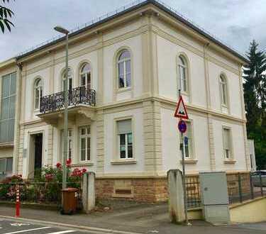 Repräsentative Büro-/Praxisfl. in denkmalgeschützter Villa City KH teilbar ab 62,35 m² - 135,69 m²