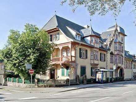 Gehobene 5-Zimmer-Wohnung in zauberhaftem Altbau, direkt am Stadtpark Lahr