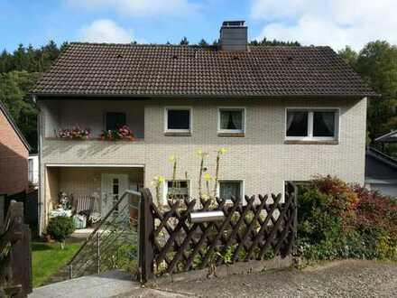 Helle drei Zimmerwohnung mit zwei Balkonen, Terasse und Garten