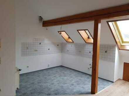 Erstbezug nach Sanierung: ansprechende 3-Zimmer-DG-Wohnung in Kreuztal-Eichen