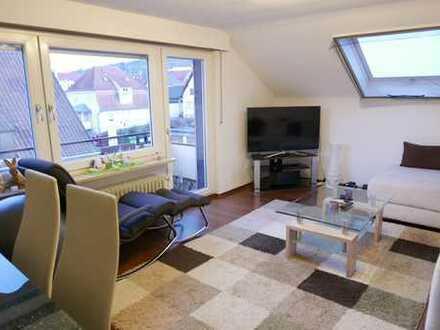Gut geschnittene 2,5 Zimmer DG-Eigentumswohnung Weinstadt-Beutelsbach mit Blick über Beutelsbach