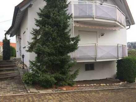 Provisionsfreie, gehobene Wohnung (frisch renoviert) in Ludwigsburg (Kreis), Eberdingen