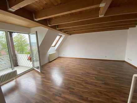 Schöne 3-Zimmer-Maisonette-Wohnung mit Balkon und EBK in Unterensingen