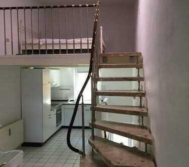 Eine ganz besondere Wohnung mit eigenem Eingang auf 3 Ebenen in Hamburg, Harburg