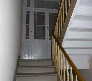 Sanierte 3 ZKB Altbauwohnung in gepflegtem Haus KA-Südstadt, Nähe Werderplatz
