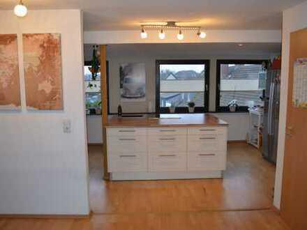 Traumwohnung mit offener Landhausküche über den Dächern von Meiderich