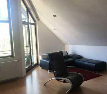 Attraktive 2-Zimmer mit Balkon und Einbauküche in Erkrath/Trills