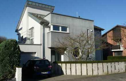 +Ein Haus der Superlative am Landschaftsgebiet, für Menschen, die das Außergewöhnliche lieben+