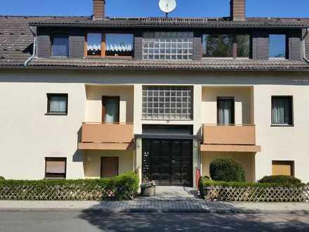 Ansprechende 2-Zimmer-Hochparterre-Wohnung mit Balkon und traumhaftem Ausblick in SWA
