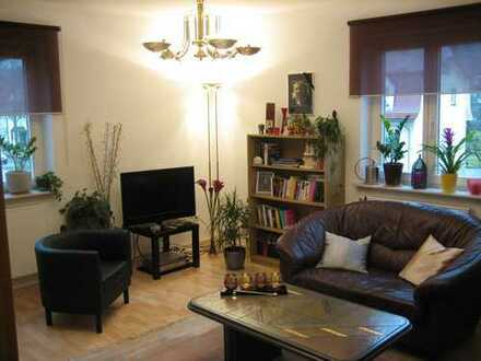 Helle 4 Zimmer Wohnung mit Gartennutzung