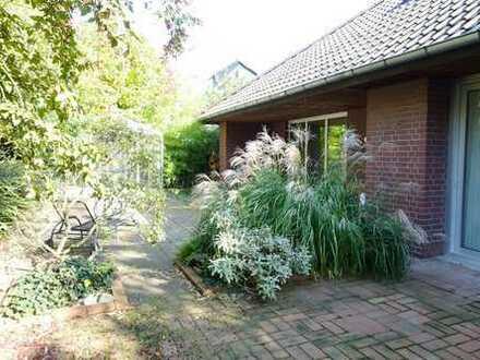 *** Topp-Lage südlich von Frankfurt/M.: Repräsentatives EFH-Unikat mit Dachstudio und Garage ***