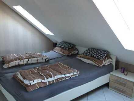 Gepflegte 3-Zimmer-Dachgeschosswohnung mit Cabriofenstern und EBK in Biblis