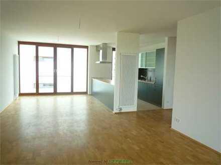Am höchsten Punkt F-Riedberg-exklusive 4-Z-Wohnung mit 2 Bädern, EBK u. Balkon