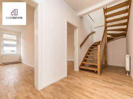 Provisionsfrei und frisch renoviert: Große Maisonette-Wohnung in ruhigem Hinterhaus