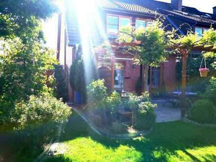 Einziehen und Wohlfühlen- Traumhaus mit einzigartigem Garten