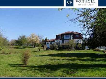 Großzügige Villa mit weitläufigem Grundstück in Pyrbaum