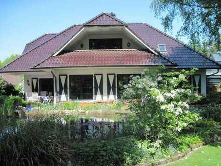 3-Zimmerwohnung mit Loggia in Landhausvilla am Waldrand