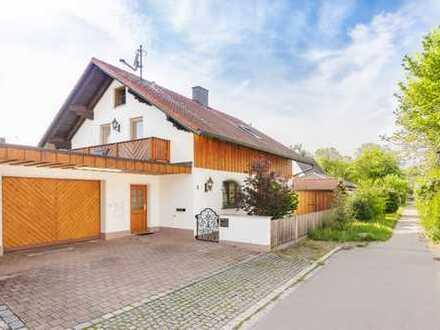 Großzügiges Einfamilienhaus mit parkähnlichem Garten, Appartement, großer Garage, ruhige, grüne Lage