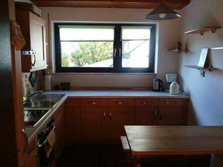 Gepflegte 2-Raum-Erdgeschosswohnung mit Einbauküche in Hösbach-OT