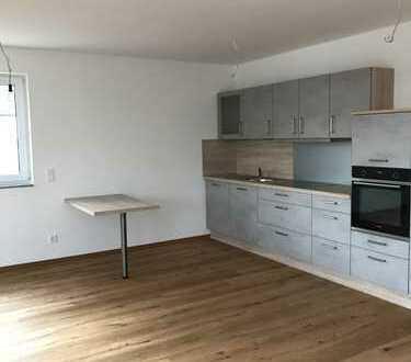 Erstbezug: exklusive 2-Zimmer-DG-Wohnung mit Einbauküche und Balkon in Bamberg