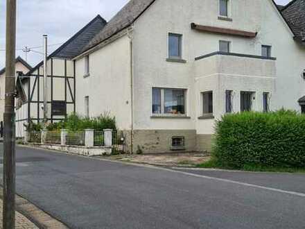 Modernisiertes Einfamilienhaus als DHH in Höhn/Ww.