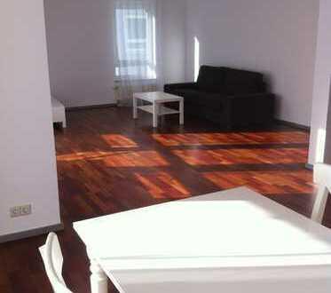 Schöne, helle, möblierte 3,5-Zimmer-Wohnung mit Balkon und Einbauküche in 1a-Lage in Böblingen
