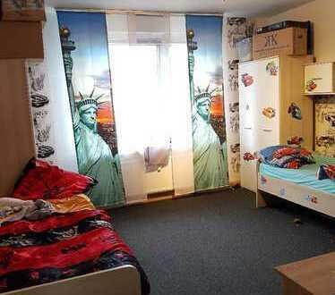 4-Zi Wohnung im familienfreundlichen Haus mit zwei Balkonen!