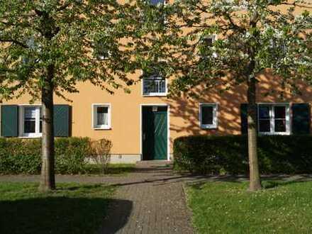 Sehr gepflegtes Mehrfamilienhaus in ruhiger Grünlage mit herrlichen West-Balkonen/Terrassen