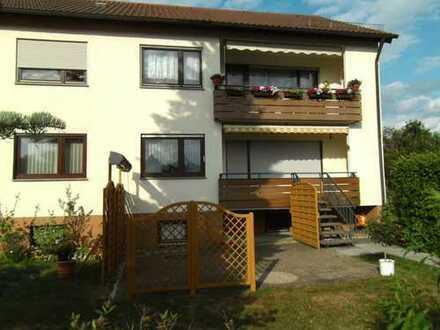 4-Zimmer-EG-Wohnung mit Balkon und Terrasse am Ortsrand von Althengstett