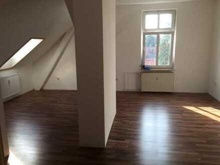 wunderschön gelegene 3-Zimmer Wohnung mit hochwertiger Einbauküche