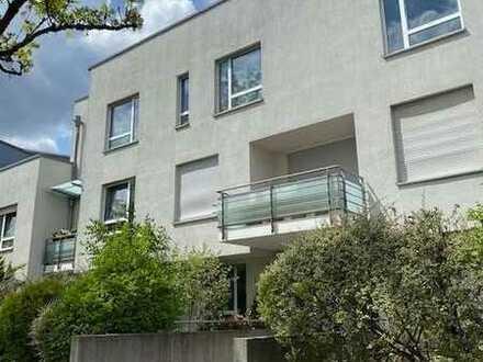 Attraktive 3-Zimmer Wohnung mit großer Dachterrasse