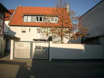 Doppelhaushälfte Nummer 1 in Hähnlein