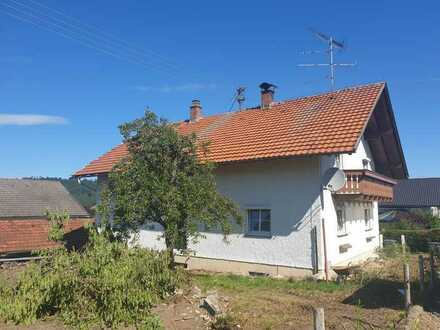 *****WILPOLDSRIED *****Renovierungs- und sanierungsbedürftiges Haus in schöner Halbhöhenlage