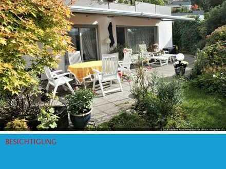 Terrassenhaus mit Garten und Burgblick
