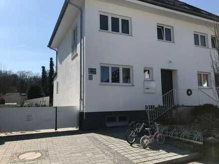 Sonnige, sanierte 4-Zimmer-EG-Wohnung mit EBK in Hadern, München