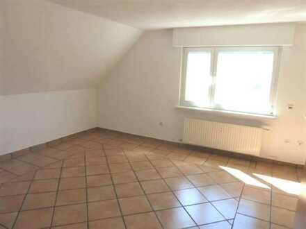 Schöne 3 Zimmer DG Wohnung