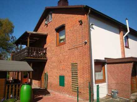 *Bramfeld* Ruhiglage, Endreihenhaus, 4 Zimmer, Wohnfl. ca. 90 m², 2 Garagen, 284 m² Grundstück